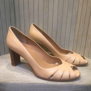 Flawless Stuart Weitzman Beige Leather Heels